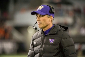Opinion: Can you really blame Washington coach Chris Petersen for wanting to take a break?