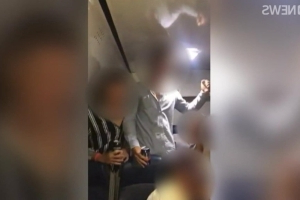 Bendigo school contacts parents and students after footage of 'disgusting' chant published to social media
