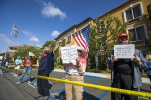 Retirement community protests O.C. plan to house homeless people with coronavirus at hotel