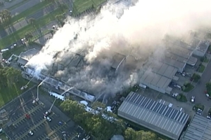 Fire at battery recycling factory in Campbellfield causes smoke alert for nearby suburbs