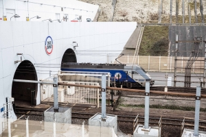 Channel Tunnel Spat Risks Severing Crucial U.K.-France Rail Link