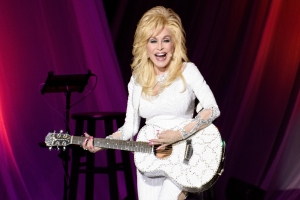 Dolly Parton Confirms Those Longtime Tattoo Rumours: 'They're Tasteful'
