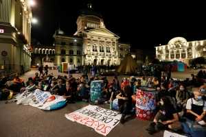 Police clear climate protesters from square near Swiss parliament